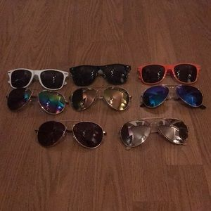 Pack of 8 sunglasses! 😎